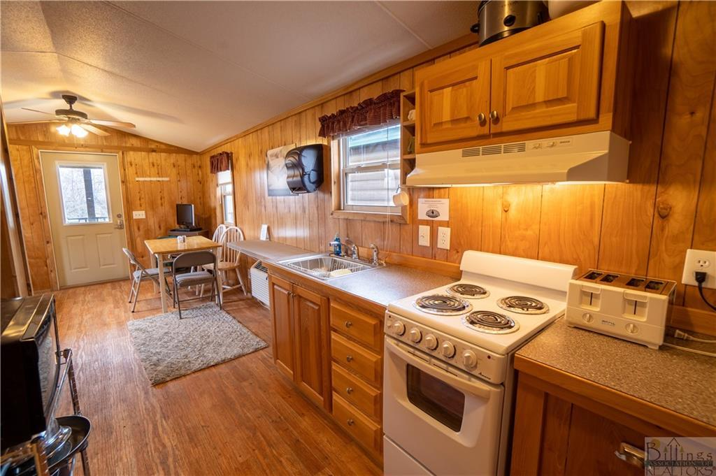 270  Cottonwood Camp Road